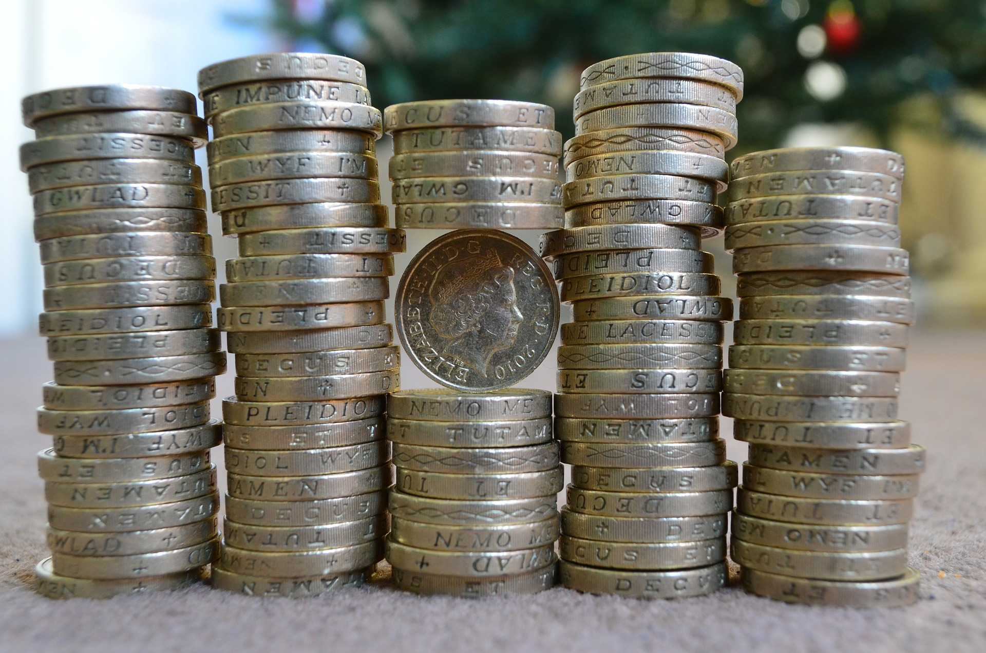 Money Saving Tips-Even Small Changes Can Add Up By Nevo Barchad I think one of the biggest money saving tips people overlook is that even small changes can add up quickly. I know I didn't pay much attention to a few cents savings here or a dollar there